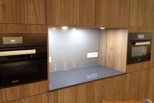 Metallic plaat van glas keuken