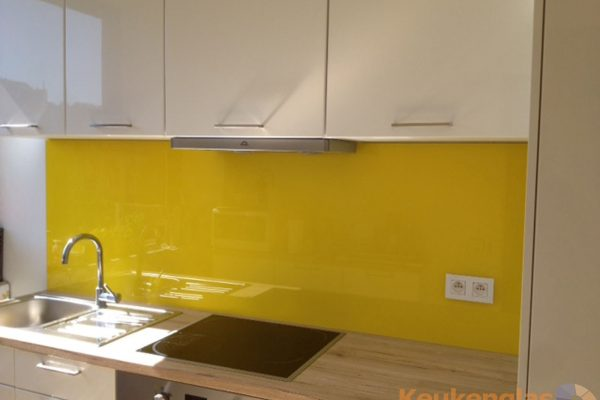 Gele spatwand van glas keuken Elsene