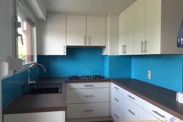 Aqua blauwe keuken achterwand Schoten Belgie