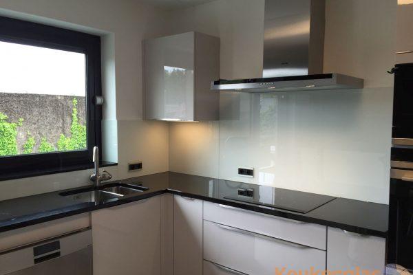 Keuken achterwand wit Denderleeuw Belgie