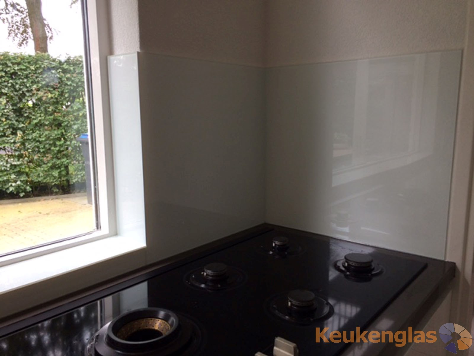 Wit glas in keuken Berkel-Enschot 2
