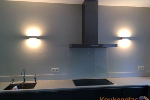 Keukenwand lichtblauw glas Oisterwijk