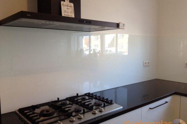 Glaswand wit keuken Kruiningen