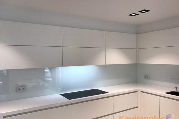 Witte spatwand keuken Antwerpen